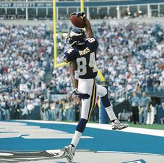 Happy Birthday wishes go out to Randy Moss. Moss was born on 2/13/1977