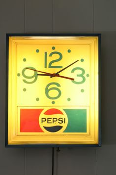 Vintage 1970's Pepsi Cola Commercial Wall Clock, Light Up Sign. This was in every dinner.