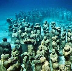 #jasonDeCairesTaylor / Underwater sculpture