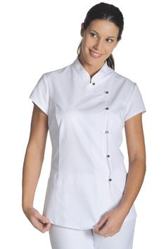 Spa Uniform, Scrubs Uniform, Scrub Suit Design, White Scrubs, Scrubs Outfit, Medical Uniforms, Hair And Beauty Salon, Uniform Design, Suit Accessories