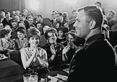 Юрий Гагарин и Джина Лоллобриджида. Москва, 1961.