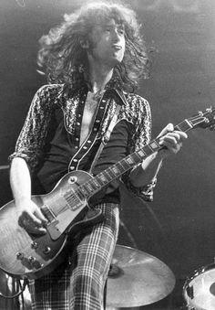Jimmy Page - Led Zeppelin Jimmy Page, Robert Plant, Led Zeppelin, Rock N Roll, John Paul Jones, John Bonham, Greatest Rock Bands, New Wave, Music Icon