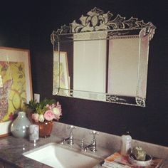 The more I see this black bathroom, the more I really like it