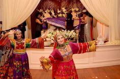 Afghan wedding Nikkah Dress, Pakistani Dresses, Afghanistan Food, Afghani Clothes, Afghan Wedding, Afghan Dresses, Folk Costume, Vintage Wear, White Wedding Dresses