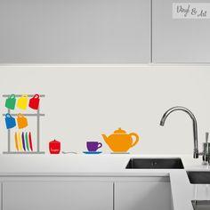 Vinilo Adhesivo Decorativo Cocina - Porta Tazas Café. Café, café, café. La palabra resuena en tu mente nada más oír el despertador. Son muchos los que no pueden empezar el día sin una buena taza de esta bebida, que ha conseguido posicionarse como la segunda más consumida en el mundo por detrás del agua. Una buena taza de café recién hecho es indispensable para empezar el día! #vinilos #adhesivos #decorativos #vinylandart #arte #inspiracion #diseño #cocina #tazacafe #cafetera…