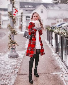 12 Chic and Affordable Winter Jackets I Found for 2019 – Nederland mode Winter Fashion Outfits, Look Fashion, Chic Outfits, Autumn Winter Fashion, Winter Outfits, Womens Fashion, Winter Dresses, Fashion Dresses, Cute Christmas Outfits