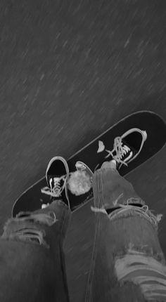 Gray Aesthetic, Black Aesthetic Wallpaper, Black And White Aesthetic, Aesthetic Grunge, Black And White Photo Wall, Black And White Wallpaper, Dark Wallpaper, Skate Photos, Skateboard Pictures
