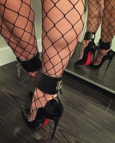 "As Lou Reed once said...""Hey babe, take a walk on the wild side"" #shoejunkyxo #fishnetsandheels #fishnetstockings #fencenetstockings #killerheels #fetishheels #anklecuffs #sexyheels #louboutinheels #hotchick130 #blackpatent #patentheels #heelporn #heelgasm #stiletto #stilettoheels #takeawalkonthewildside"