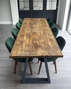 Loving these emerald green dining chairs supplied by the client in Howth Dublin Dinning Tables And Chairs, Black Dining Chairs, Wooden Dining Tables, Dining Table In Kitchen, Oak Table, Coloured Dining Chairs, Green Dining Room, Dining Room Design, Hygge Home Interiors
