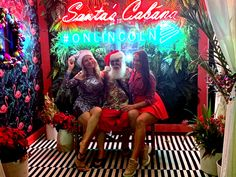 #CEPODS #SantasCabana pop-up box #Onlincoln & #EuclidCircle is open to the public from Monday -Sunday 11am-11pm until January 6th, 2019.