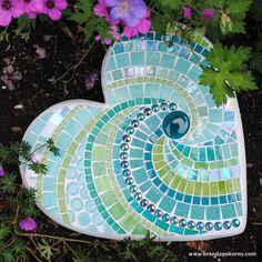 Tropical Rainforest Mosaic Heart Shaped Stepping Stone MOO5096