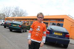 Koningsdag. Kijk mijn school is ook helemaal oranje! Foto: Marco in 't Veldt