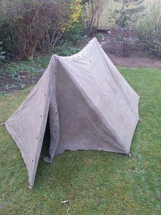 Das ist ein 2 Mann Zelt Es ist gut getahnt im Wald wenn es Dunkel ist