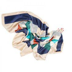 Des foulards colorés // coloured scarfs