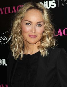 Sharon Stone Picture 92 - Summit of Nobel Prize Winners Sharon Stone Hairstyles, Sharon Stone Photos, Queen Makeup, Stone Pictures, Famous Girls, Stylish Hair, Hollywood, Cool Haircuts, Up Girl