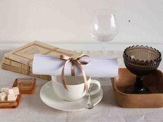 Ylioppilas, kandi, merkonomi, vastavalmistunut… kata pöytä valmistujaisjuhlaan iloisin värein tai hillityn tyylikkäästi.