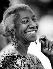 Edna Lewis inspired a generation of young African American chefs and ensured traditional Southern foods and preparations would live forever. Who Was Edna Lewis? Lewis was born in 1916 in Freeto. Beautiful Smile, Black Is Beautiful, Beautiful People, Pretty People, Smile Face, Make Me Smile, Foto Face, Model Tips, Portraits