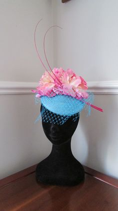 Items similar to Turquoise Pillbox Hat - Wedding Fascinator - Racing Hat - Wedding Guest Hat - Ascot - Kentucky Derby on Etsy Pillbox Hat, Fascinator Hats, Wedding Fascinators, Headpieces, Navy Blue Fascinator, Ascot Ladies Day, Hat Party, Pill Boxes, Kentucky Derby