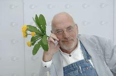"""Der langjährige Moderator der ZDF-Kindersendung """"Löwenzahn"""", Peter Lustig, ist im Alter von 78 Jahren gestorben. Er starb am Dienstag, wie das ZDF am Mittwoch mitteilte."""