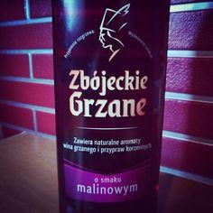 Zbyt mocne aby skosztować na jeden weekend. #wino #grzaniec #vine #zbojeckie #weekend #home #drink