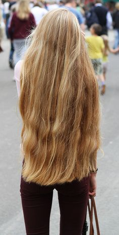 How To Get Thicker Hair Naturally At Home : 3 Simple Tips The home fix is perfect to make a hair typ Really Long Hair, Super Long Hair, Big Hair, Beautiful Long Hair, Gorgeous Hair, Natural Hair Styles, Short Hair Styles, Long Blond, Silky Hair