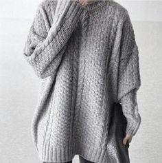 Comfy, oversized, grey jumper » Winter fashion essentials