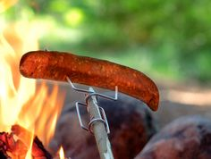 Grandpa's FireFork – Heldth – Matthias Baranyak – bushcraft camping Cheap Camping Gear, Go Camping, Camping Hacks, Camping Recipes, Camping Stuff, First Time Camping, Family Camping, How To Make Fire, Cool Tents