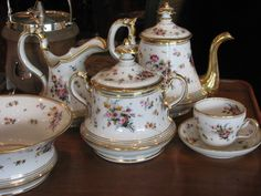 I'm in love with Old Paris porcelain