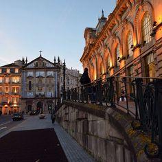 Good night guys!   #travel #travelgram #traveling #igers #igersporto #igersportugal #porto #portugal #architecture #architecturelovers #city #cityscape #instadaily #douro #discover #discoverportugal #discoverearth #beautifuldestinations #places #wonderful_places #night #lights #sunset by simonekristina