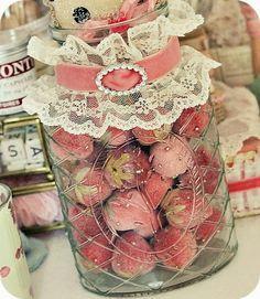 Lovely velvet strawberries—Pincushions or to enhance your decor! * Sleepless in NRW *