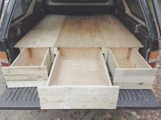 I wanted to make a camping bed with pullout drawers for my truck. After getting a truck camper top, I gathered up some reclaimed wood from pallets and old shipping crates. Auto Camping, Camping Diy, Camping Hacks, Kayak Camping, Winter Camping, Truck Bed Drawers, Truck Bed Storage, Storage Trunk, Diy Storage