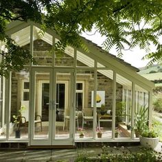Country conservatory ideas - 10 of the best - Urdu Planet Forum -Pakistani Urdu Novels and Books Conservatory Extension, Conservatory Ideas, Edwardian Conservatory, Cottage Shabby Chic, Pergola, Screened In Patio, Ideas Hogar, House Extensions, Garden Design
