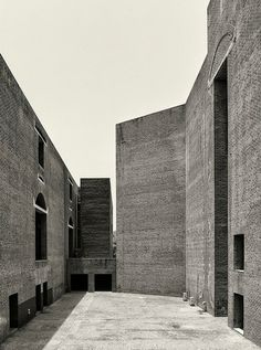 Louis I. Kahn — CEMAL EMDEN: Indian Institute of Management Ahmedabad