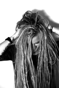 This is Nicolina she woke up one day with the urge of getting dreadlocks done. I ended up making her dreadlocks with a mixture of dreadlocks and loose hair for her. In this pic you can see how the end result became! Love the mischievous look of this. Blonde Dreadlocks, Dreads Girl, How To Get Dreadlocks, Loose Dreads, Dreadlock Hairstyles, Loose Hairstyles, Dread Braids, Dreads Styles, Curls
