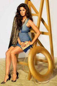 Katrina Kaif heats up Vogue India December 2014 photo shoot Katrina Kaif Body, Katrina Kaif Photo, Bollywood Celebrities, Bollywood Actress, Hindi Actress, Bollywood Girls, Girls In Mini Skirts, Vogue India, Vogue Magazine