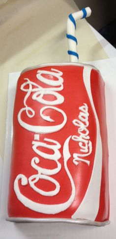 This needs to be a Diet Coke cake Coke Cake, Coca Cola Cake, Unique Cakes, Creative Cakes, Rehearsal Dinner Cake, Realistic Cakes, Cake In A Can, Dad Cake, Funny Cake