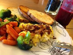 Scrambled eggs, a bit of bacon and some vegetables with butter, perfect breakfast!