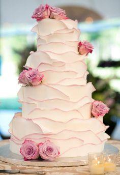 unique ombre roses wedding cake