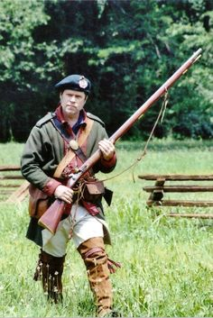 """bantarleton: """"A member of Butler's Rangers, a Loyalist ranger outfit of the American Revolution. American Indian Wars, Native American History, American Civil War, British History, Women In History, World History, Ancient History, Mountain Man Clothing, British Army Uniform"""