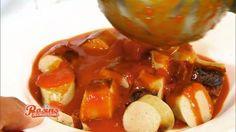 Die Currywurst-Sauce nach dem Rezept von Frank Rosin macht aus einer guten Wurst eine besondere Gaumenfreude. Burger Recipes, Grilling Recipes, Sauce Recipes, Cooking Recipes, Yummy Recipes, Curry Ketchup, Fish And Chicken, Yummy Food, Tasty