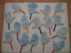 Palomitas de la Paz Peace Crafts, 28th October, Nursery School, Preschool Activities, Drawings, Noah Ark, Bingo, Ideas Para, Ideas