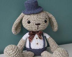 PATTERN  Treasure the Teddy  crochet pattern por lilleliis en Etsy