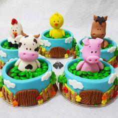 F A Z E N D  I N H A 🐑🐥🐴🐷🐄 fazendinha ♡ #kids #baby #1ano #festafazendinha #fazendinha #fazendinhademenino #mickeysafari  #babyboy #festademenino #menino # #instagram #instakids #boy #baby #mother #inlove #cake #cakedesign  #follow #like4like  #encontrandoideias  #festainfantil  #party #partykids  #partyideas  #nice #like4like #pic #decoraçaofazendinha