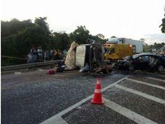R12Notícias: Dois morto e dez feridos em grave acidente na BR-1...