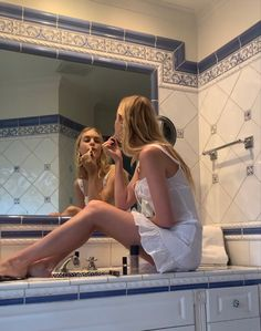 Brene Brown, Private School Girl, Italian Summer, European Summer, Old Money, Girl Next Door, Photo Dump, Gossip Girl, Dream Life