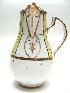 Chocolatière - Chocolate pot - Bordeaux (France) - 4e quart du 18e siècle    http://www.culture.gouv.fr/Wave/image/joconde/0558/m006609_34nu124-d78-5-113-13_p.jpg