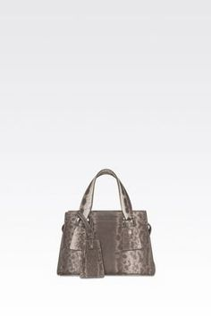 Armani Handtaschen Für sie kleine tasche le sac 11 aus karung  Erhätlich bei armani.com - wenn Sie über www.bestcash4you.de auf die Seite gehen, erhalten Sie zusätzlich 7,2 % Cashback. Wie Sie auch bei weiteren 1600 Shops und Anbietern Cashback erhalten erfahren Sie unter www.bestcash4you.de