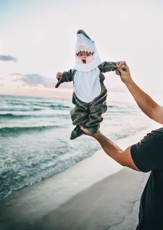 Adorable baby Halloween costume idea, a little shark! Adorable baby Halloween costume idea, a little shark! So Cute Baby, Baby Kind, Cute Kids, Cute Babies, Funny Kids, Little Babies, Little Ones, Lil Baby, Baby Boys
