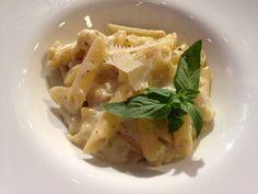 Reteta Laura Cosoi: Penne Quatro Formaggi - www. Penne, Pasta, Pavlova, Macaroni And Cheese, Cabbage, Cooking Recipes, Vegetables, Ethnic Recipes, Mai