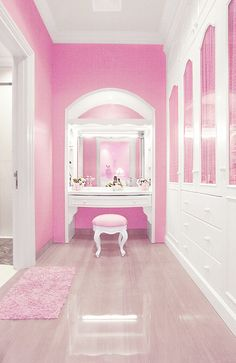 Elegant Makeup Room Checklist & Idea Guide for the best ideas in Beauty Room decor for your makeup vanity and makeup collection. My New Room, My Room, Dorm Room, Armoire Rose, Pink Closet, White Closet, Pink Houses, Pink Room, Dream Closets